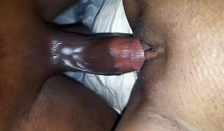 La primera vez de Twink con la hermosa peliculas online porn abuela