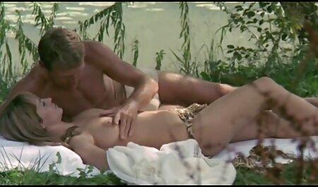 ¡La nieta de HYE lleva peliculas eroticas on line al abuelo a un sumidero!