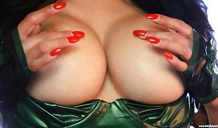Gatito rojo curvilíneo con tushee grande y vientre sexy ver películas de pornografía gratis